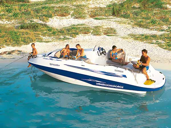 Sea-Doo Islandia: Jet-Powered Deckboat - boats com