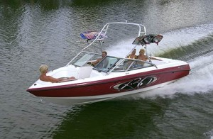 For throwing giant wakes and hosting big crowds, the MasterCraft X-30 looks to be a winner.