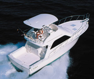 With a top end of 36 knots at 2,350 rpm and an average cruising speed of 32 knots at 2,000 rpm, the test boat's twin 800-hp MAN diesels offered impressive performance.