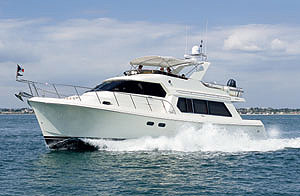 The Hampton 550 Pilothouse offers all the characteristics of a great custom motoryacht, but at a production boat price.