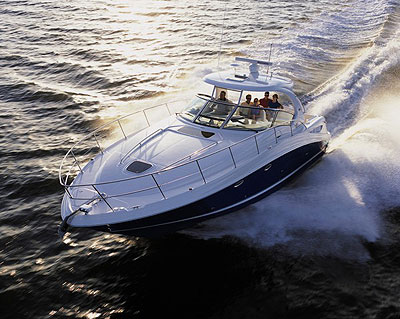 Joining Sea Ray's Sport Yacht line in mid-2004 is the 390 Sundancer