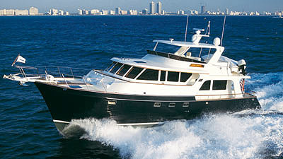 The 61 Explorer has a top speed of 25 knots, when equipped with optional twin 1,520 hp Caterpillar 3406E engines, and a high cruising speed of 20 knots.