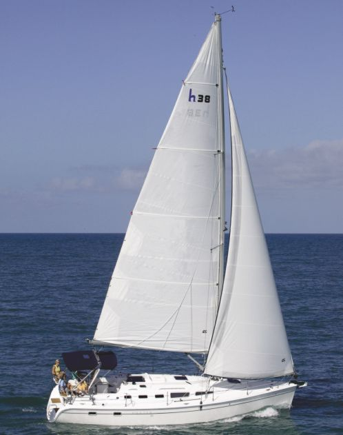 Hunter 38 Enters A Crowded Cruiser Field Boats Com