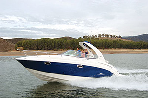 The new 276 from Chaparral is on the smaller end of the outfit's cruiser lineup, but it is Chaparral's largest cruiser that still has the trailer-friendly 8-foot, 6-inch beam.
