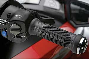 Thumb the up and down toggle switches on the right hand control to increase or decrease Yamaha SHO engine speed in 350-rpm increments when the Cruise Assist is active.
