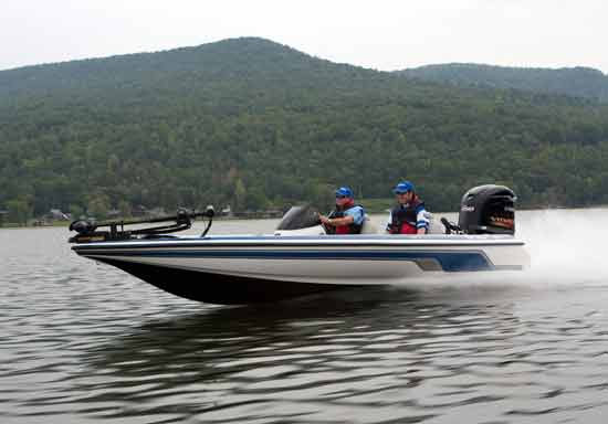 Yamaha says the new four-stroke V MAX SHO outboards will match the top speed of competing two-stroke high-performance motors.