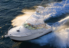 The 360 Express Fisherman tops out at 34.5 knots with twin 435-hp IPS600s.