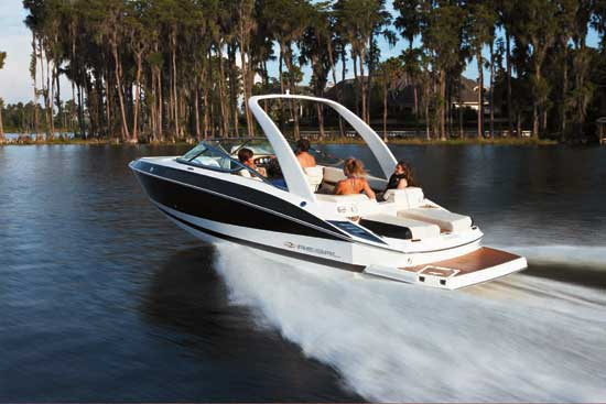 Regal 2500 FasTrac: Performance Runabout