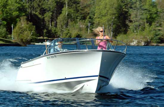 Vanquish Runabout: New Boat, Old School