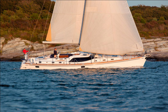 Hylas 56: Luxurious Bluewater Cruiser