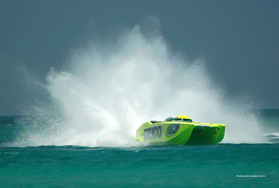 High Performance Powerboat Racing: Now Driving Matters