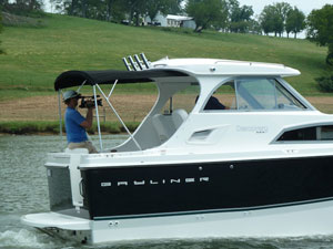 Bayliner Discovery 266 Boat Test Notes
