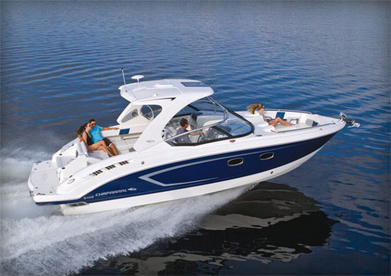 Chaparral 327 SSX: A Better Boating Hybrid