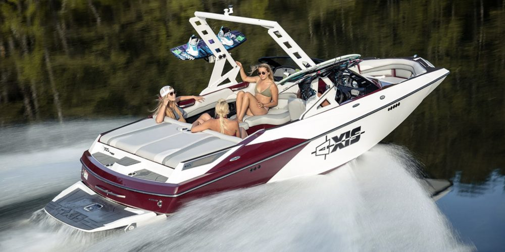 10 Best Tow Boats for Water Skiing and Wakeboarding - boats com