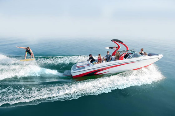 Best Tow Boats for Water Skiing and Wakeboarding of 2012