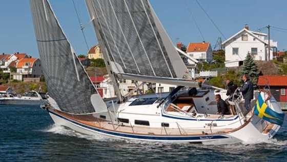 Hallberg-Rassy 412: A Big Step Forward