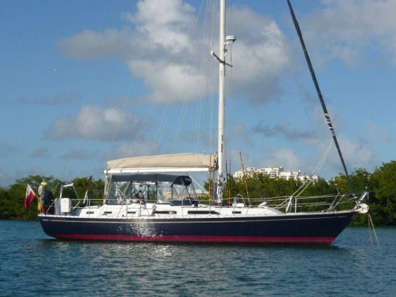 Hylas 44 in harbor