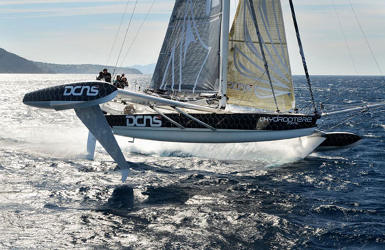 Hydroptere foiling
