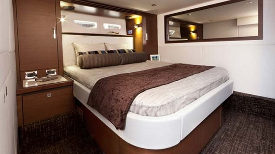 cabin in the sea ray sundancer 510