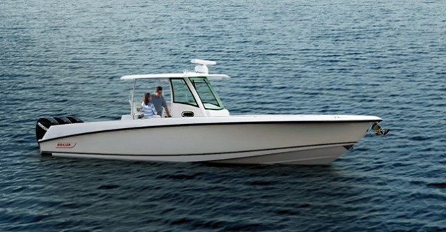 Boston Whaler 350 Outrage: Man Your Battle Stations