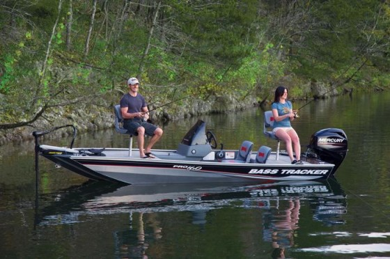 tracker bass boats