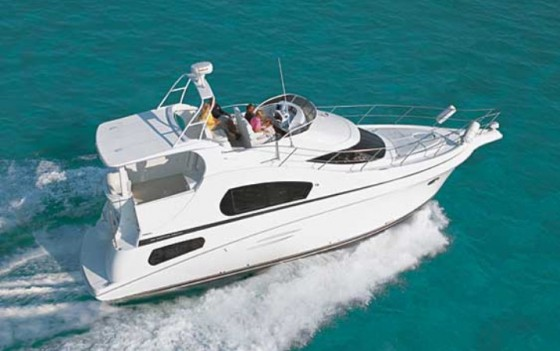 Top 5 Cruisers Motor Yacht Express Aft Cabin Sedan