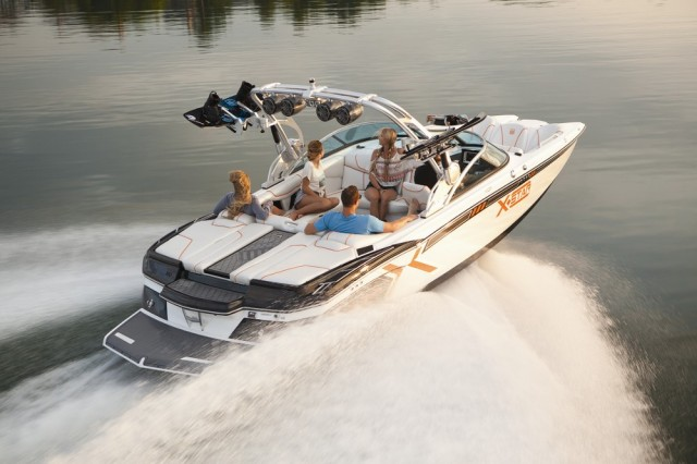 Water Ski and Wakeboard Boats: Designed for Watersports