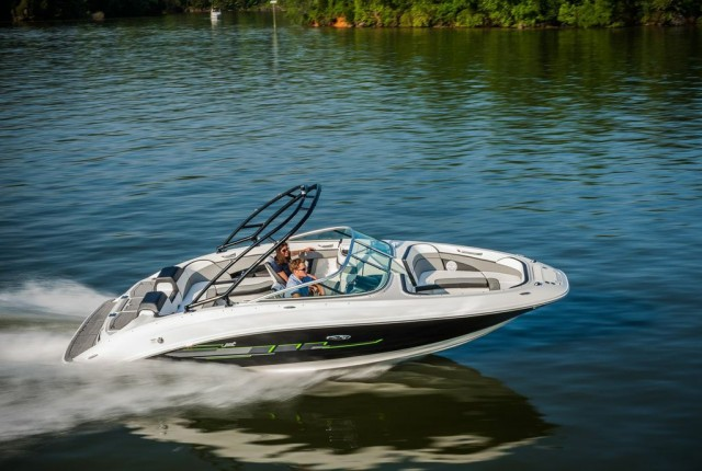 Sea Ray 24 Jet: The Biggest Jet Boat of the Year