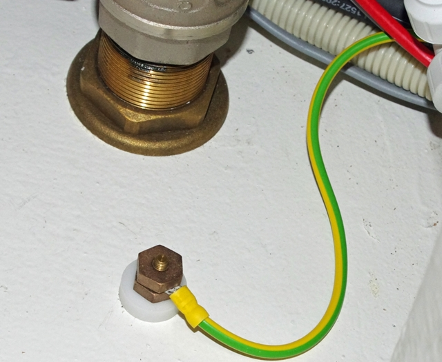Grounding Wires for Boat Equipment