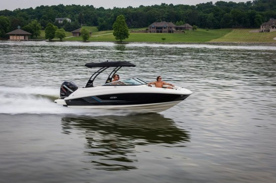 sea ray sundeck 220 with verado outboard