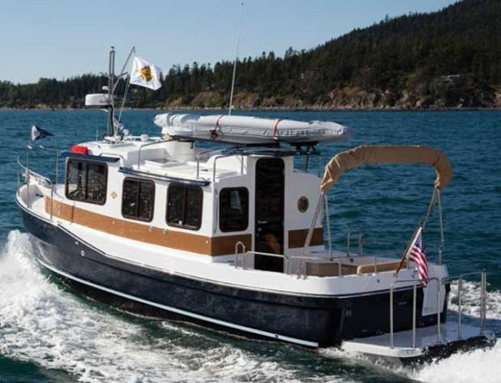 ranger tugs r-27 trawler under way