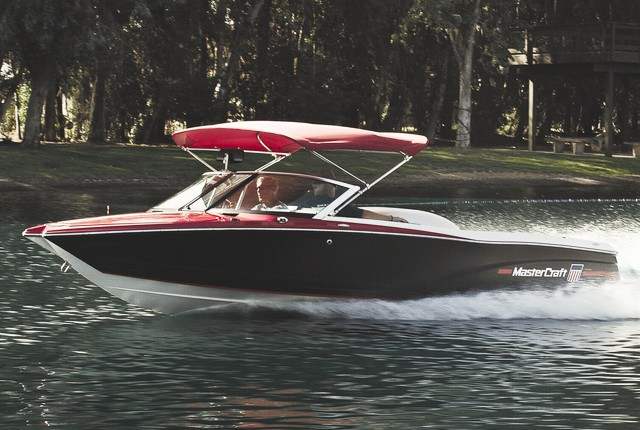 MasterCraft ProStar: New School Ski Boat