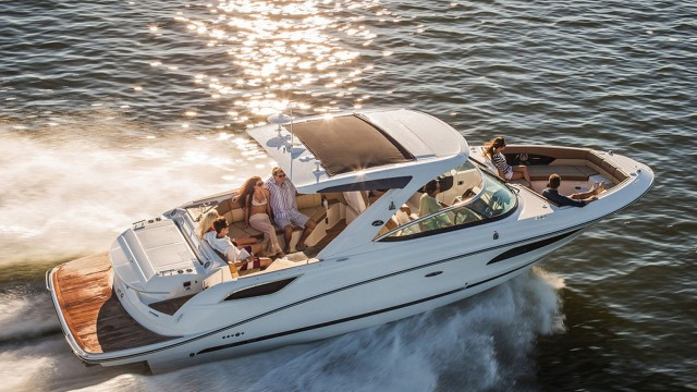 Sea Ray 350 SLX: Day Boat Gone Wild
