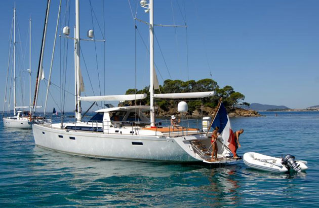 Amel 64: A Bluewater Cruiser With Choices, Choices, Choices