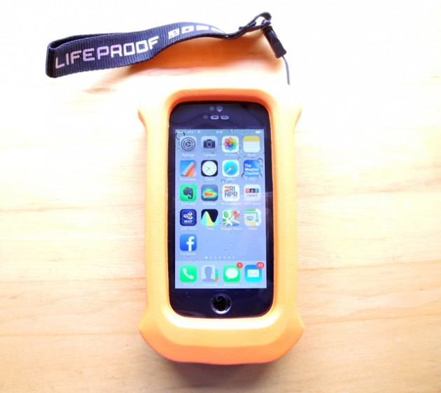 iphone-5s-lifejacket