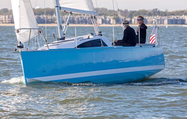 A photo of the Catalina 275 sport under sail.