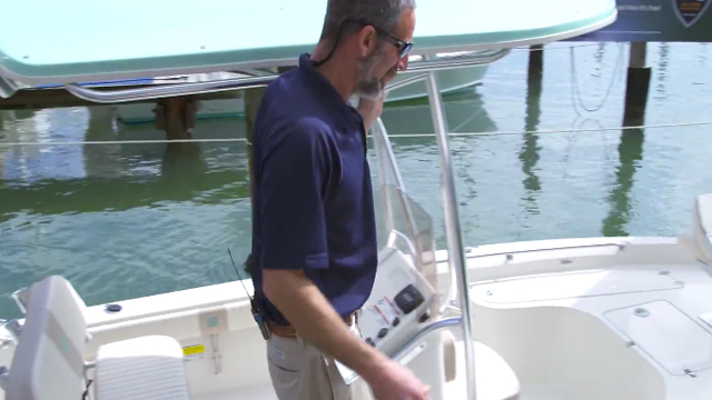 Carolina Skiff Sea Chaser 21LX Bay Runner: First Look Video