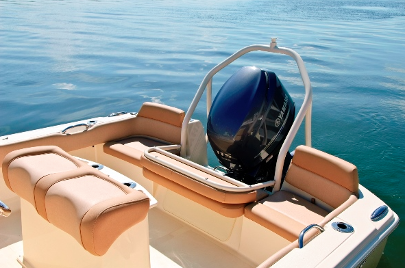 A picture of the aft seating arrangement on the Scout Sportfish 195.
