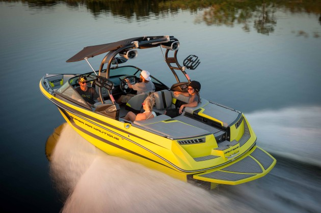 A photo of the Super Air Nautique 210.