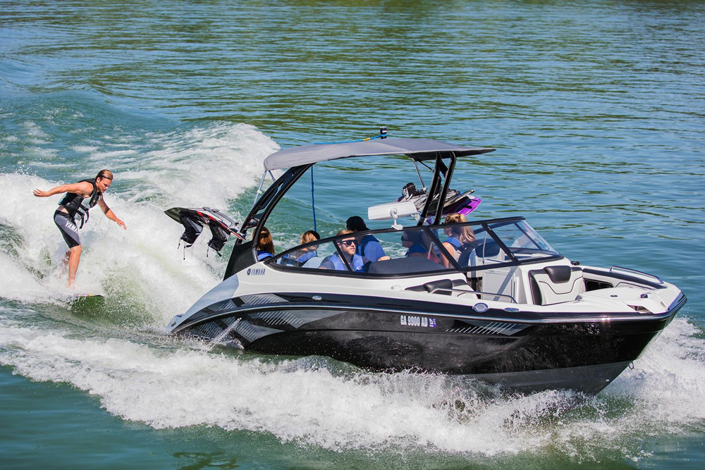 Boat Motors: Outboards, Inboards, Pod Drives, Stern Drives