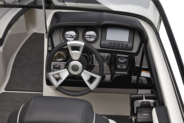 All Yamaha 240 Series models feature a new dash with Connext touch-screen display.