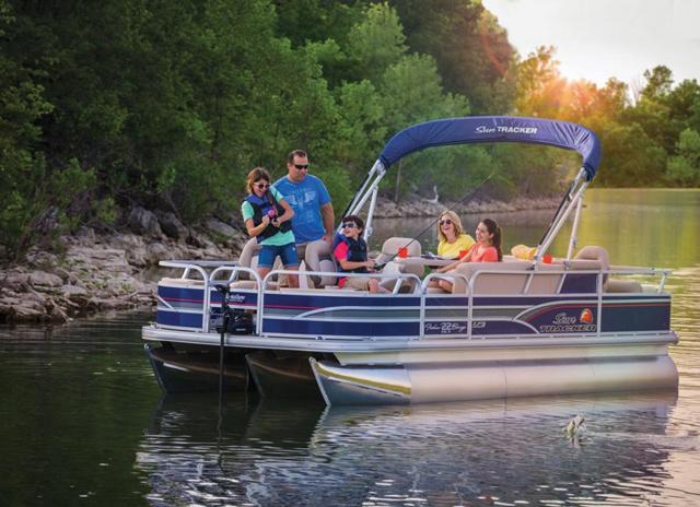 sun tracker fishinu0027 barge & Sun Tracker Fishin Barge 22: Pontoon on the Prowl - boats.com