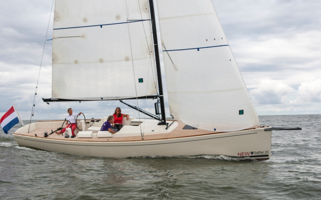 The Saffier Se 33 is a Dutch-built daysailer with sleek and sexy lines.