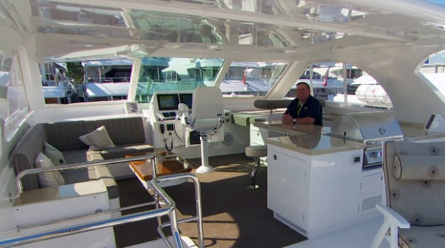 Horizon PC 52 power catamaran first look video
