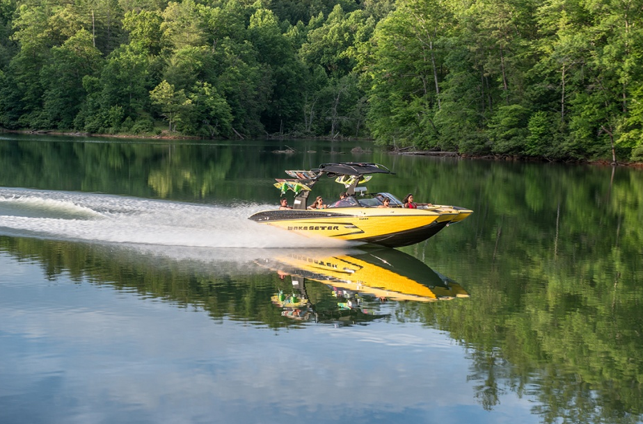 Malibu's Wakesetter 24 MXZ: Pull Out All the Stops