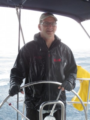 Rainy-day-sailing-and-smiling