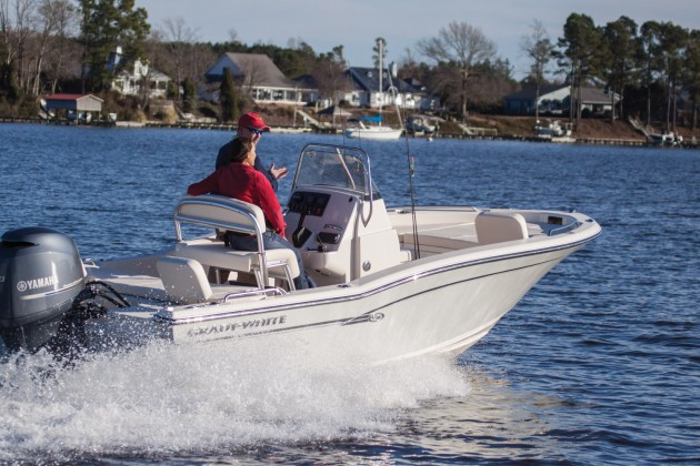 10 top fishing boats for inshore anglers for Fishing boats for sale in iowa