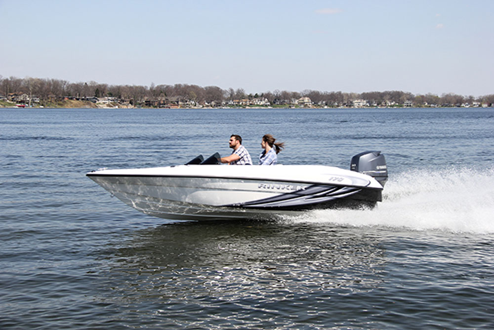 Rinker Captiva 170 OB: Spry Little Bowrider