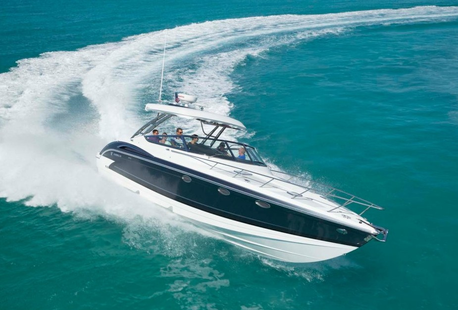 Formula 370 Super Sport: Cruising with Zing