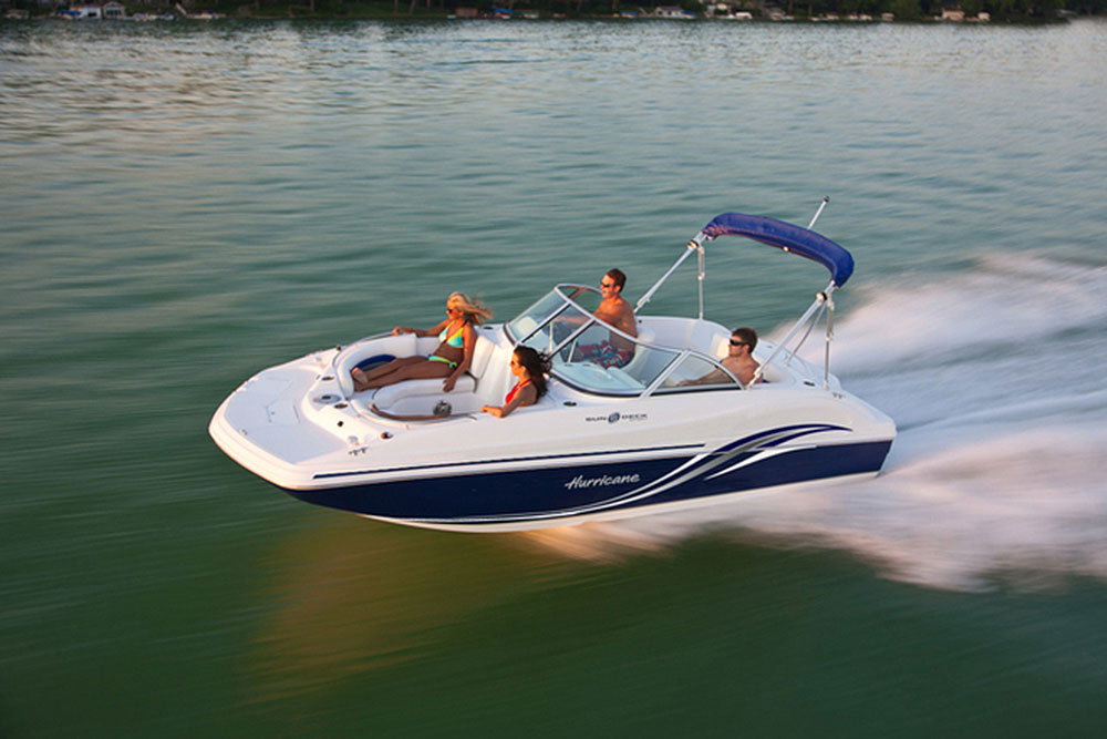 Hurricane SunDeck SD 187 I/O: A Small But Sweet Deckboat